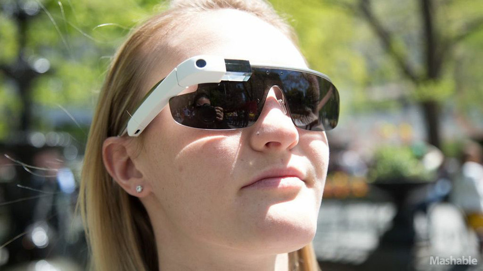 Google Officially Announces that Anyone Can Buy Glass Starting April 15